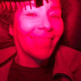 redlight therapy, terapia de luz roja, terapia de luz infraroja, skincare, cuidado de la piel, antiaging, cerave, locion hidratante, piel reseca, cuidado de la piel a los 50, retin-a, tretinoía, cuidado de la piel, antiaging, antiedad, limpiador cutis, cuidado de la piel a los 40