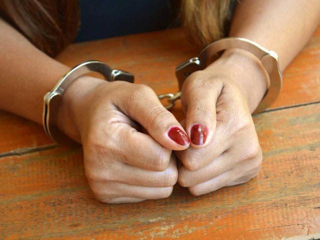 Συλληψη 64χρονης στο Ναύπλιο για κλοπή