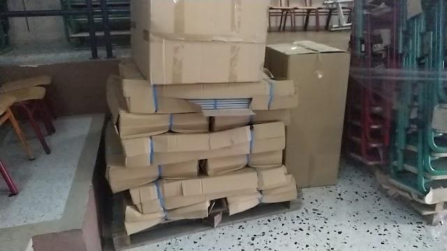 Ενισχύθηκαν με θρανία, καρέκλες και λοιπό εξοπλισμό τρία σχολεία στην Κόρινθο με την βοήθεια του Υφυπουργού Χρίστου Δήμα (video-φώτο)