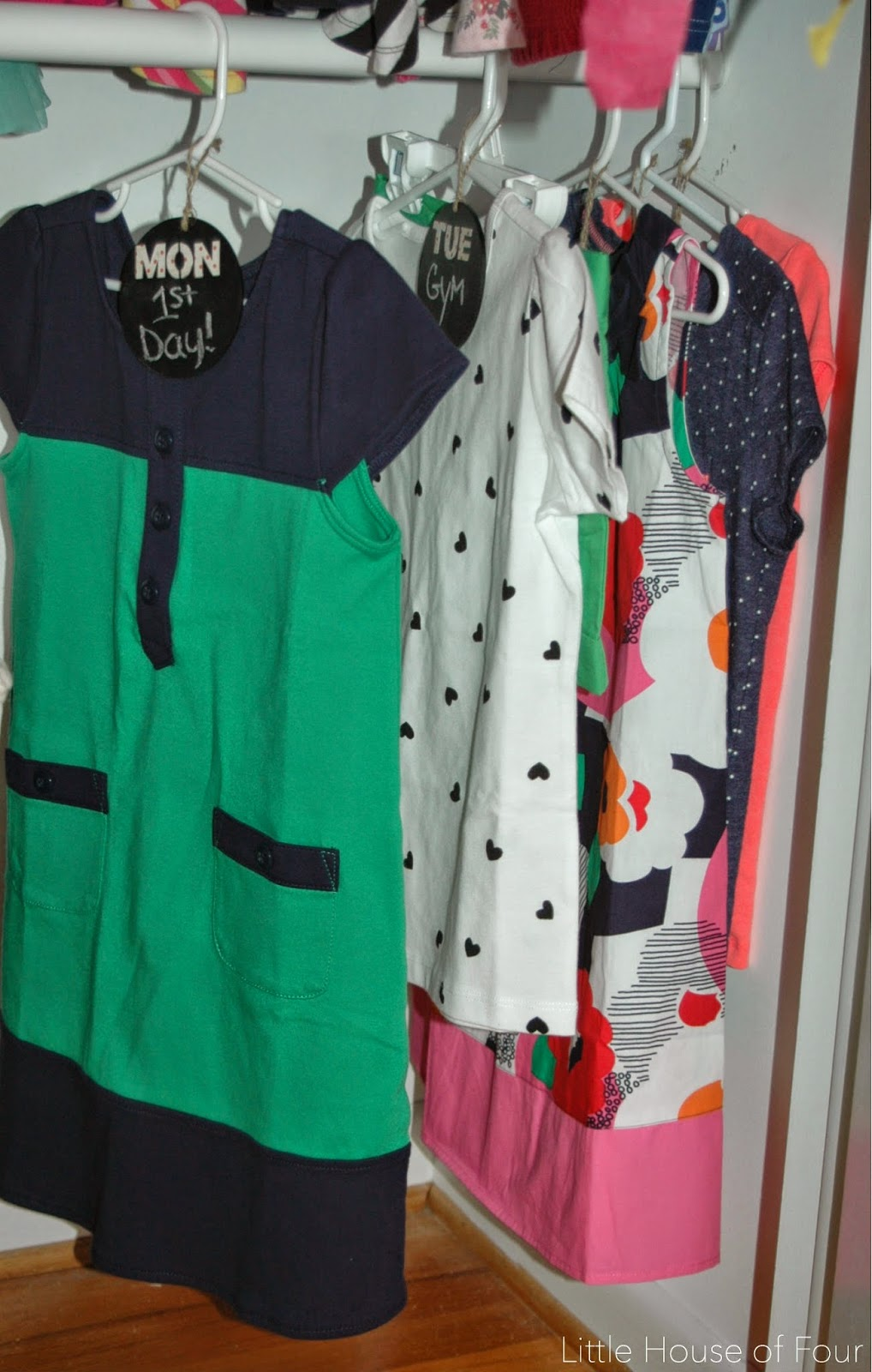 How to organize a closet with weekly chalkboard tags