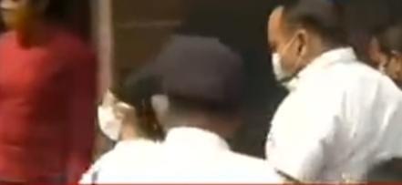 রুজিরাকে জিজ্ঞসাবাদ করতে অভিষেকের বাড়িতে সিবিআই, গিয়েছিলেন মমতাও