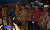 Tinjau Korban Kebakaran di Dusun Toke, Bupati Bima Sumbang Dana Pribadi