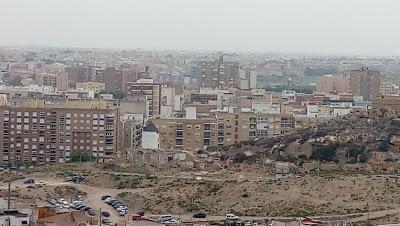 vista de la ciudad moderna de Cartagena desde el Castillo de la Concepción