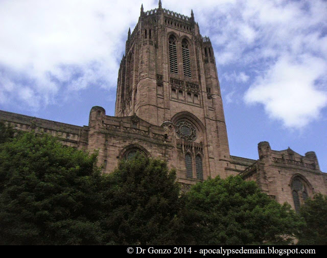 Liverpool Cathedral grès rouge Giles Gilbert Scott