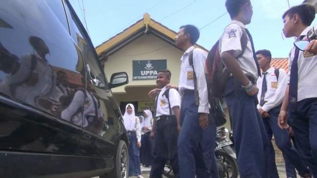 siswa adukan guru ke polisi