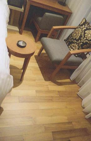ホテルの床に使用されたチーク二層フローリング