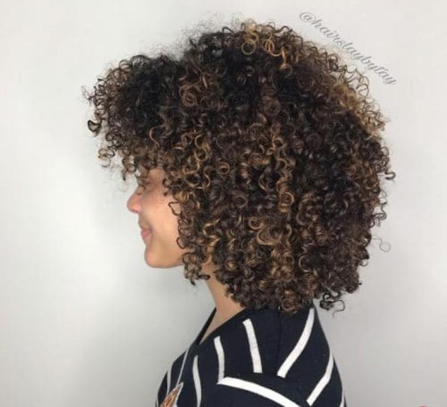 curly bob hair style 2020