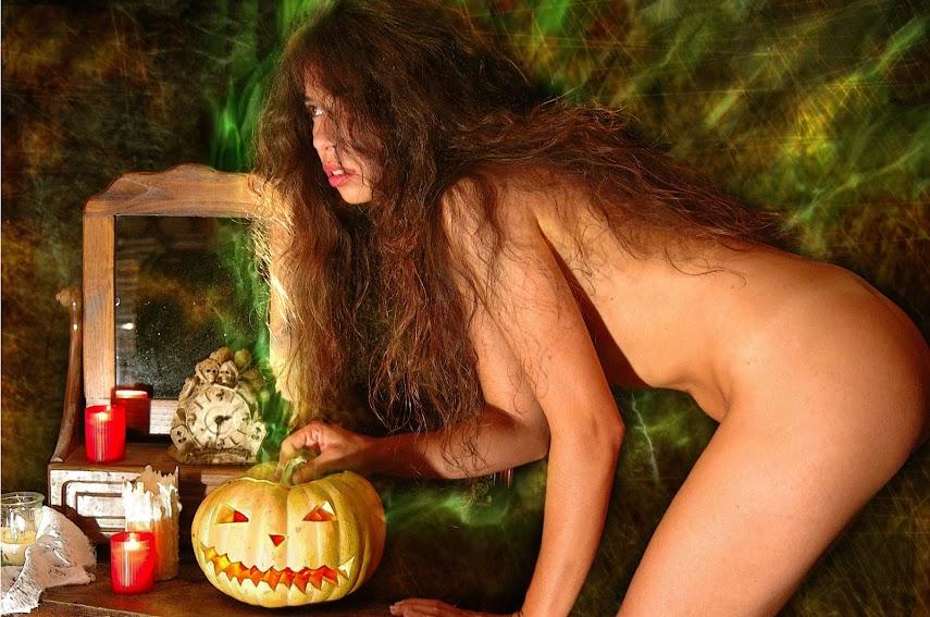 Met-Art 20041031 - Idoia - Halloween - by Luis Durante - idols