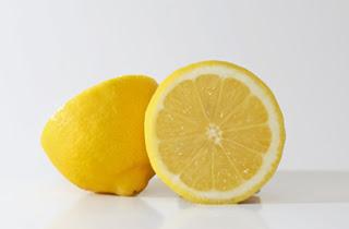 Jerawat merupakan salah satu masalah yang cukup sangat serius yang kerap sekali dialami Cara menghilangkan infeksi dengan lemon