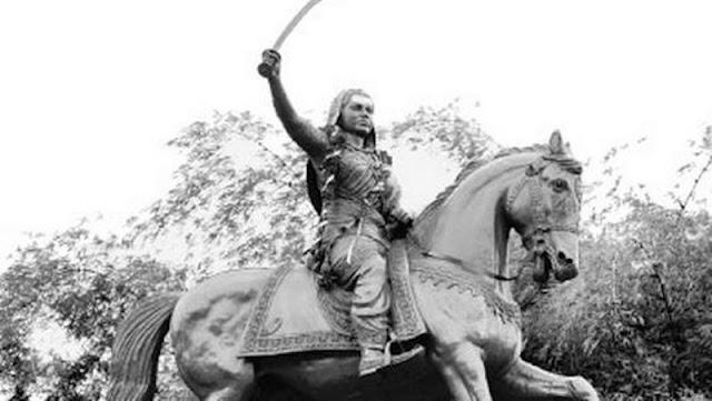 Statue of Rani Chennama