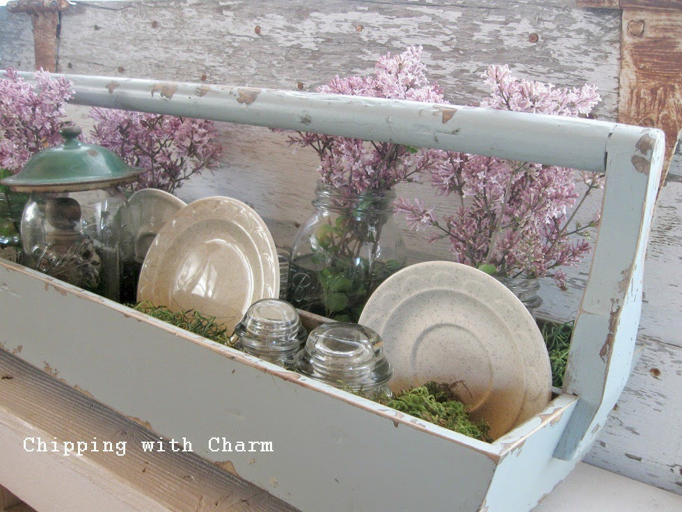 Chipping with Charm: Fairy Garden Centerpiece...http://www.chippingwithcharm.blogspot.com/
