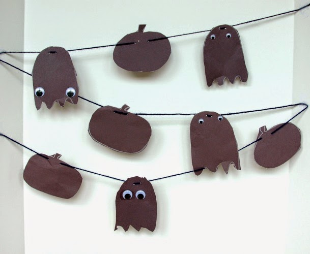 Halloween Shadow Garland Craft for preschoolers for click clack boo