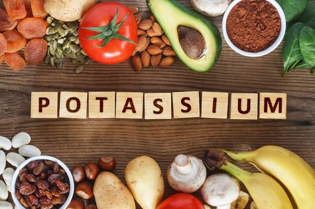 وظائف وفوائد البوتاسيوم .. المصادر الغذائية ، نقصه وسميته