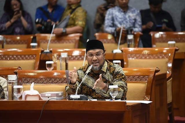 PKS: Jangan Coba-coba Menghilangkan Pendidikan Agama!