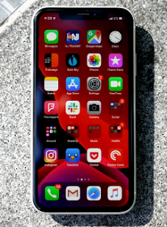 La société Cupertino lancera également des versions bêta d'iOS 13 et iPadOS. Une version bêta pour les développeurs a été lancée, tandis que le public sera présent en juillet 2019.