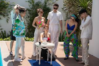 Chi Pu tung ảnh bikini nóng bỏng