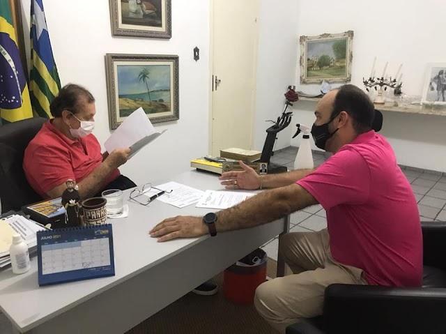 Em reunião com Mão Santa, Coordenador Thiciano Ribeiro apresenta relatório de ações semestrais no Terminal Rodoviário de Parnaíba