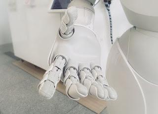 معلومات عن الذكاء الاصطناعي ومقارنته بالذكاء البشري