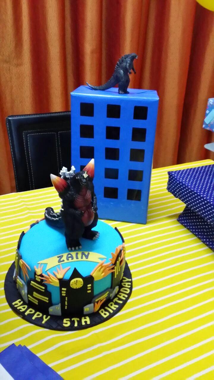 Godzilla Cake Cucu Cake
