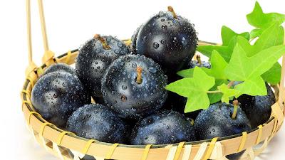 wallpaper buah anggur hitam