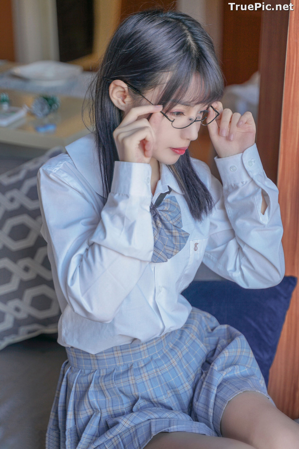 Image [MTCos] 喵糖映画 Vol.047 – Chinese Cute Model – Sexy Student Uniform - TruePic.net - Picture-37