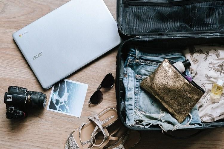 Montagem da mala de viagem deve ser planejada somente com o necessáro