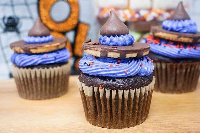 Hocus Pocus Witch Hat Cupcakes