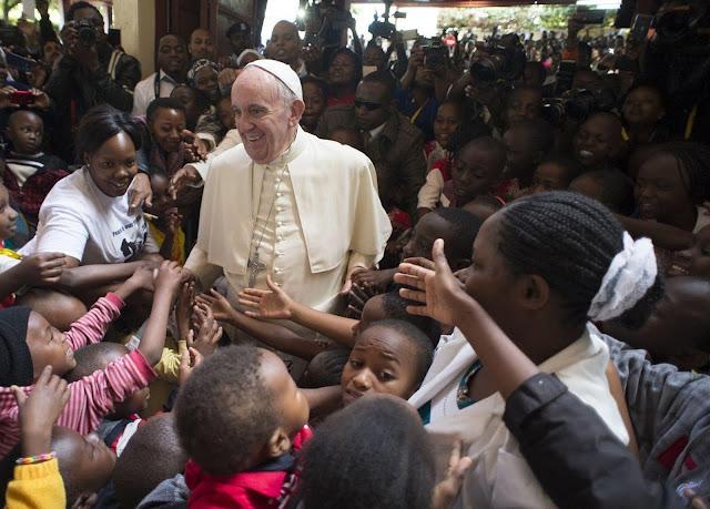 Iglesia misionera, testigo de misericordia - Mensaje del Papa para el DOMUND 2016