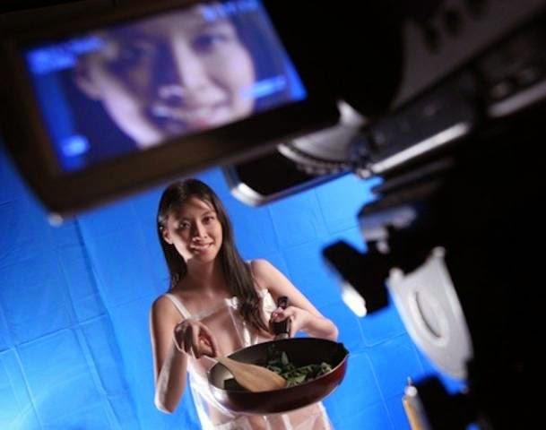 Program Memasak Secara Bogel Dalam TV Di Hong Kong