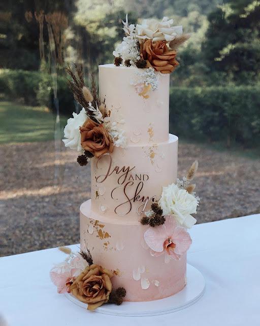 gold coast wedding cake designer