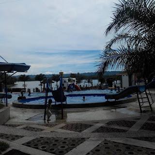 kolam renang bendungan karangkates