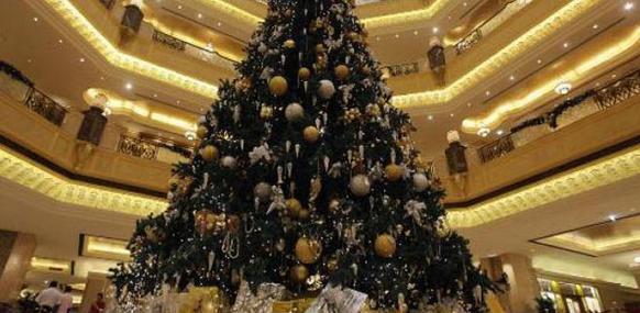 Pohon Natal Termahal di Dunia dan termewah sedunia dari arab