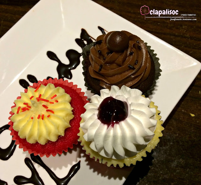 Cupcakes from Caffe La Tea