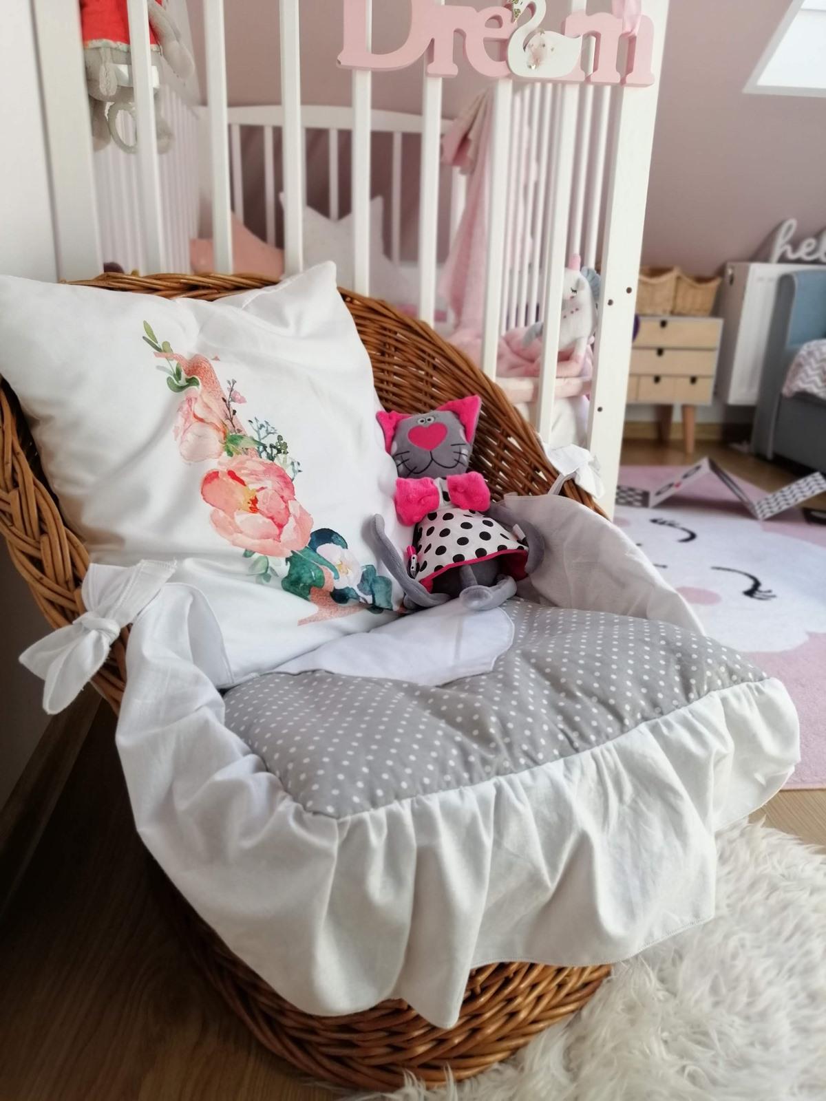 wiklinowy fotelik
