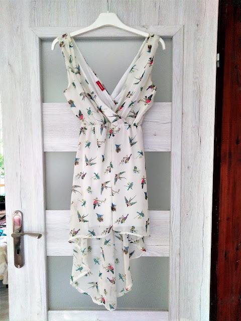 zwiewna-biala-asymetryczna-sukienka-swap