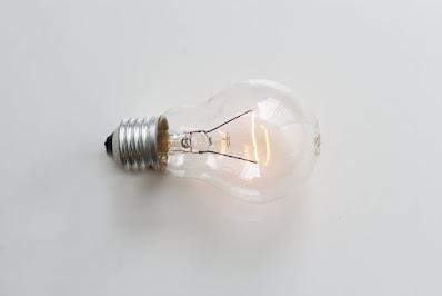 Non possiamo chiamarci tutti Edison solo perché sappiamo come si accende una lampadina