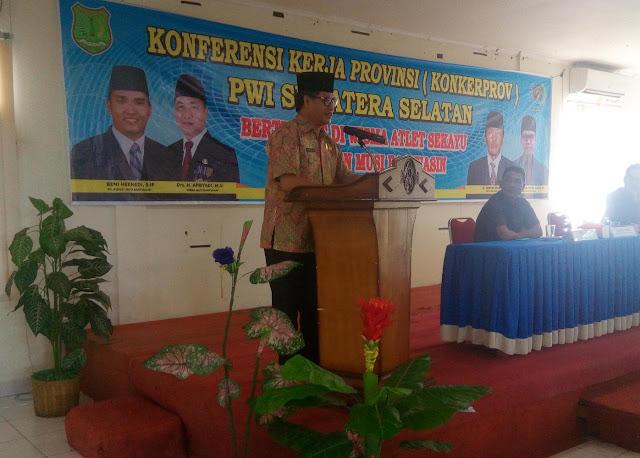 Asisten III Buka Konferensi Kerja PWI Di Muba