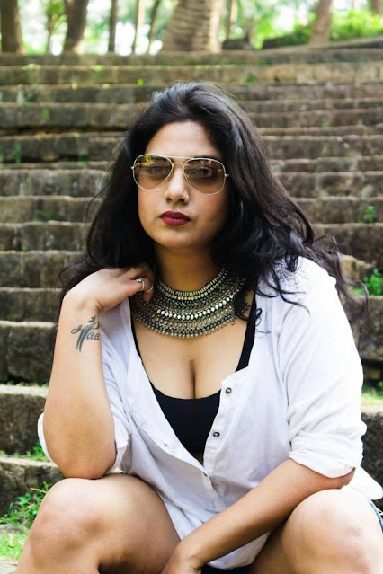 Bollywood Item Girl Kavita Radheshyam Latest Hot Pics Navel Queens