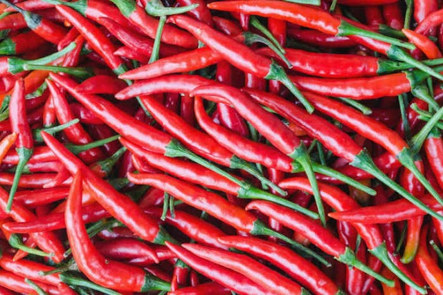 Medicinal effects of Cayenne pepper, plus how best to consume it