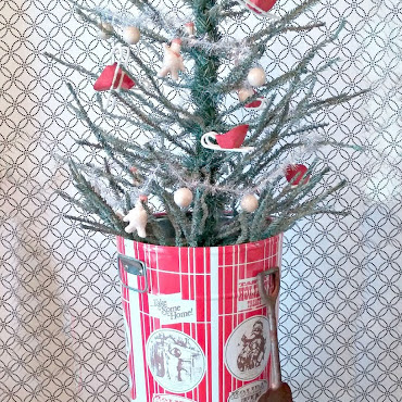 Christmas Decorating - A Deconstructed Christmas Tree