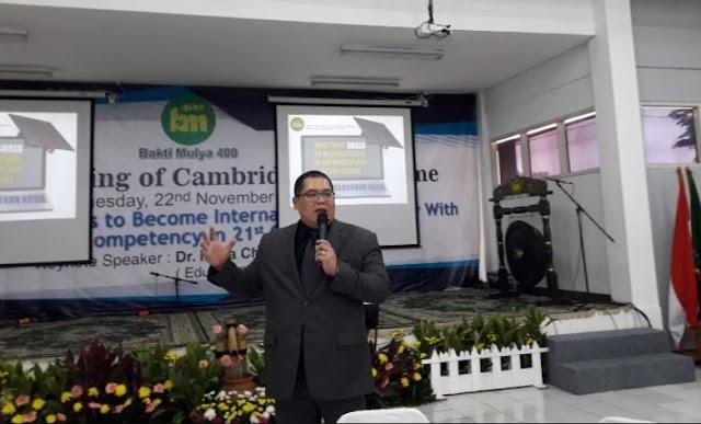 Guru di Indonesia Antikritik, Maunya Gaji Besar, Kualitas Rendah