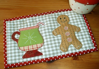 Gingerbread Cup Mug Rug Pattern By The Patchsmith Photo Courtesy Of Blog
