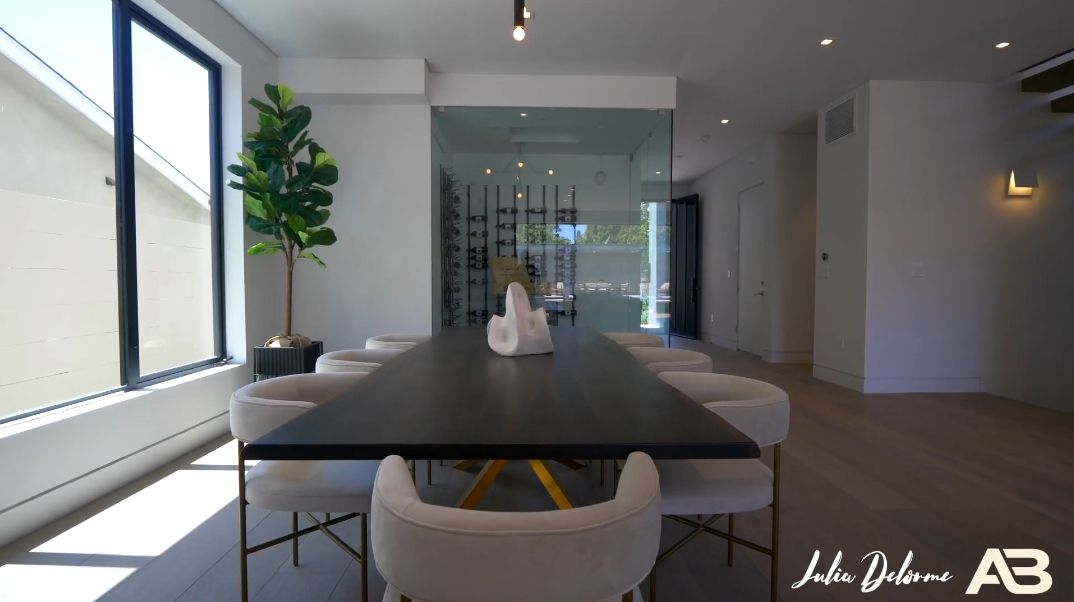 41 Interior Photos vs. 716 N Fuller Ave, Los Angeles, CA Luxury Contemporary House Tour
