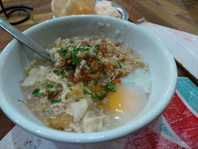Bubur Mang Dudung dengan Telur