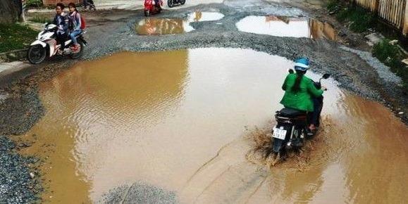 Buộc nhà thầu Trung Quốc trả đường dân sinh cho người dân Quảng Ngãi