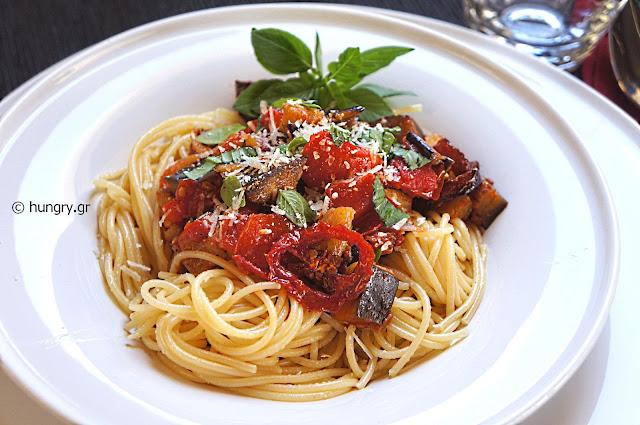 Σπαγγέτι με Σάλτσα Μελιτζάνας