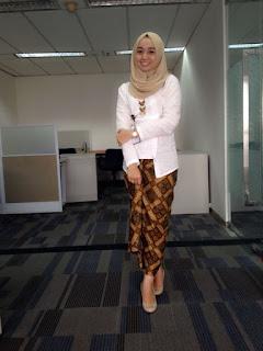 Kebaya Kartini Muslim