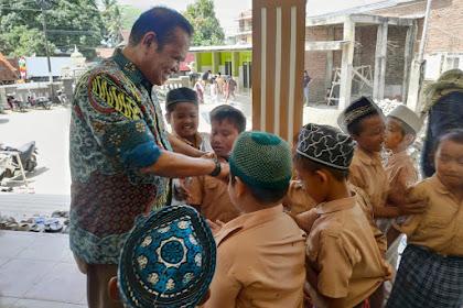 Bupati Luwu dikepung Anak Sekolah di Ponrang