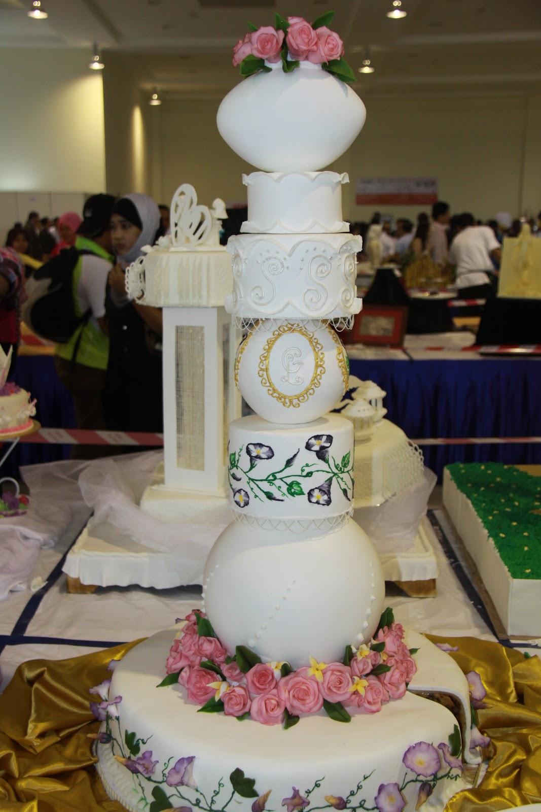 wedding cake penang master chefcelebrity sabri hassan wedding cakes from 23405