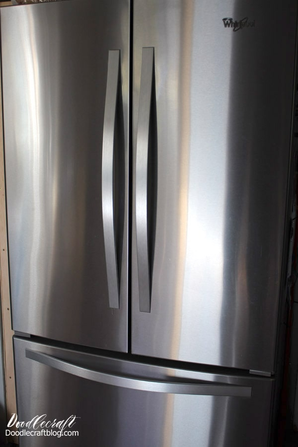Best Stainless Steel Appliance Cleaner Budget Friendly! Keep stainless steel looking smudge free using 2 simple ingredients you probably already have.